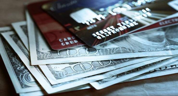 nhận lương tiền mặt có được làm thẻ tín dụng