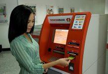 phi rut tien the tin dung techcombank la bao nhieu