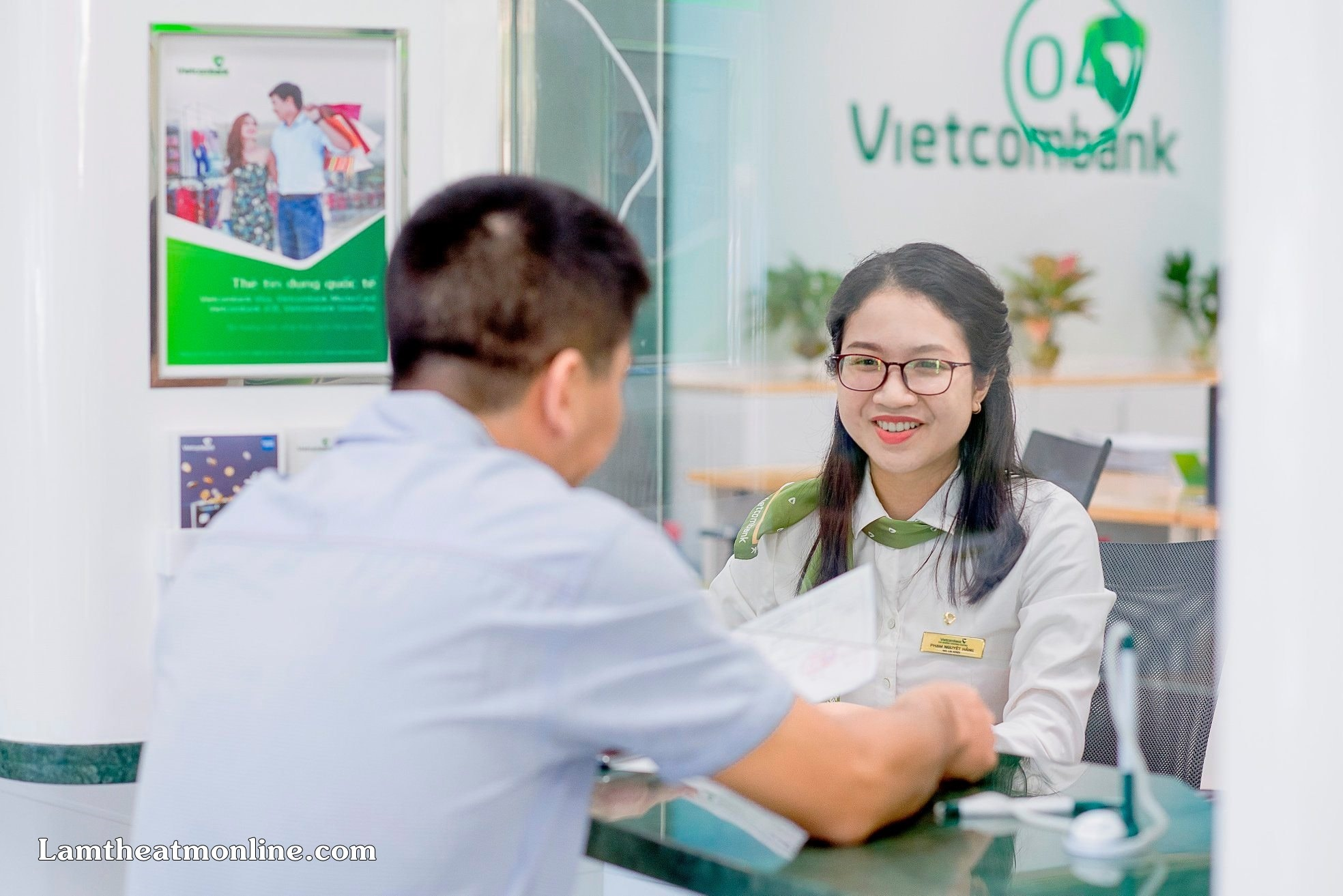the visa vietcombank het han phai lam sao